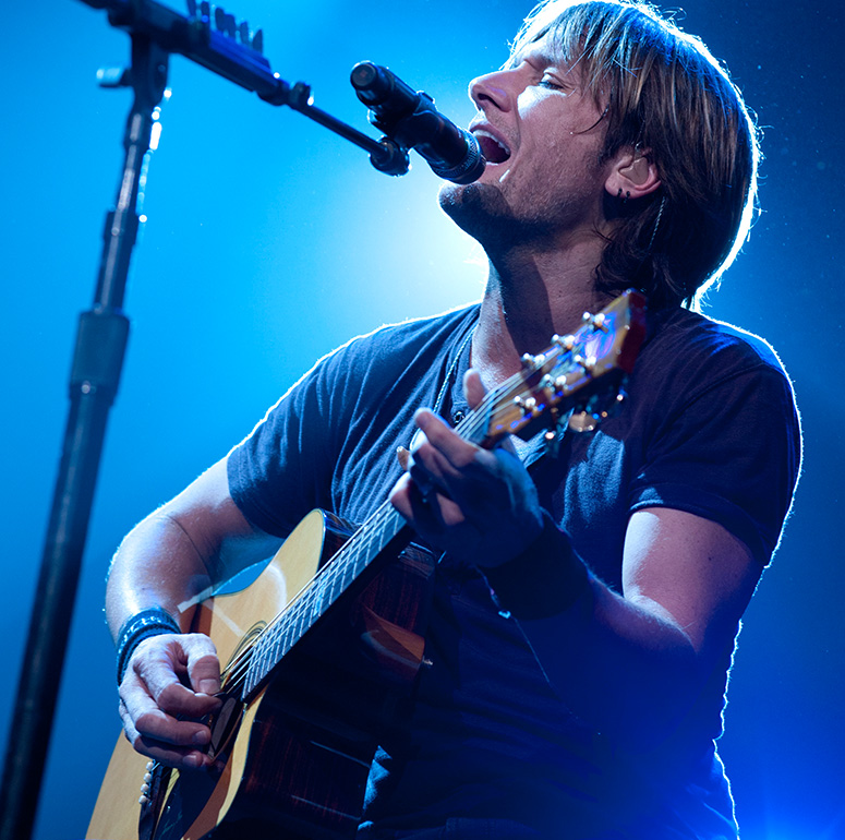 Keith Urban performing with David Foster & Friends