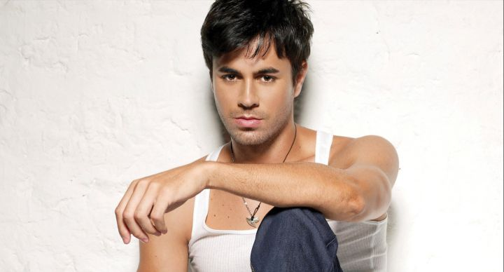 Enrique Iglesias can be booked for corporate or private events
