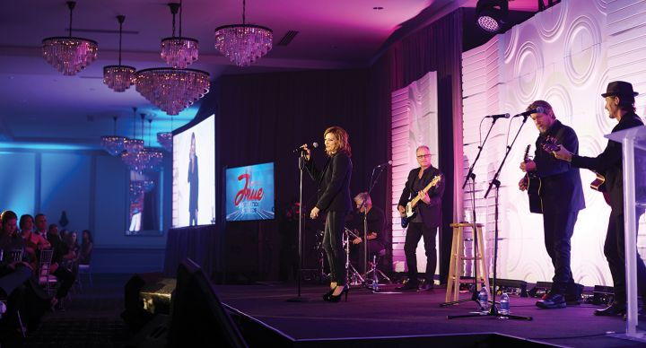 Martina McBride performs at 2018 Chic-fil-A True Inspiration Awards